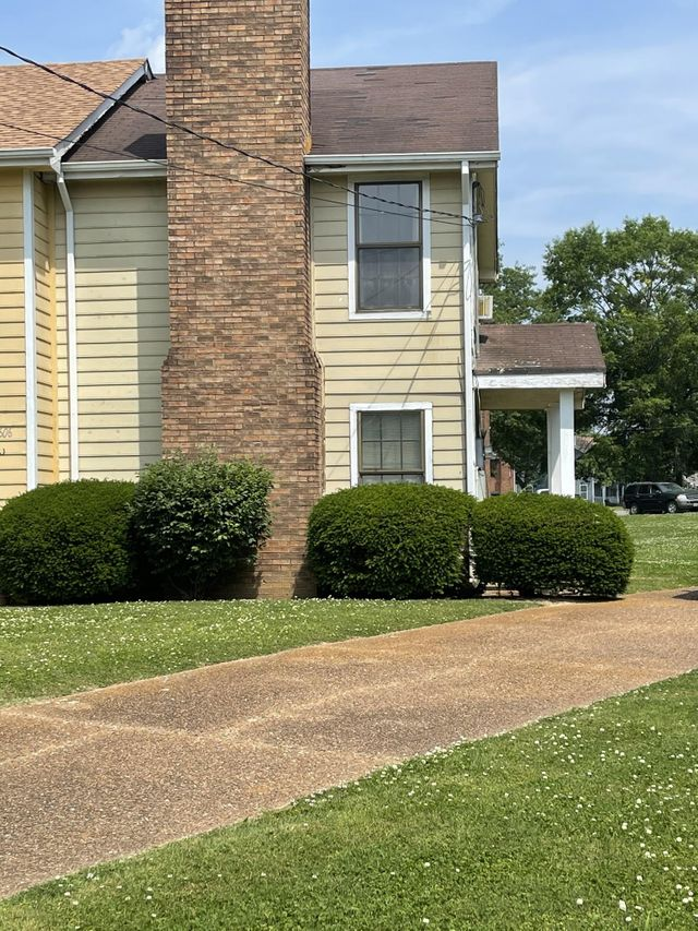 Listing photo 1 for 2604 Tate Ct