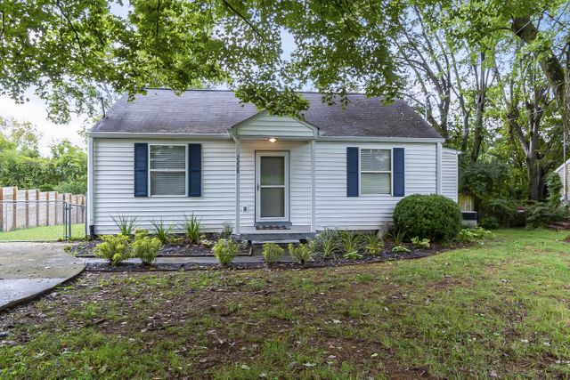 Listing photo 1 for 2208 Weona Dr