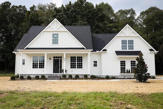 Property photo 0 featured at 359 Courtney Ann Dr, Mc Minnville, TN 37110