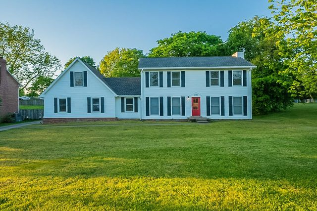 Listing photo 1 for 2155 Watertown Pl