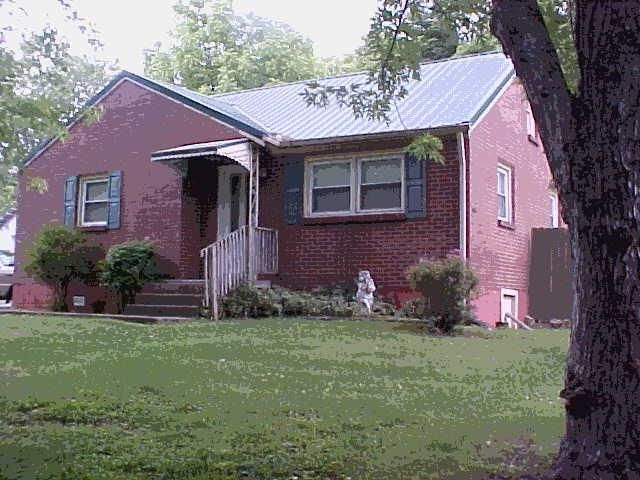 Listing photo 1 for 579 Draughon Dr