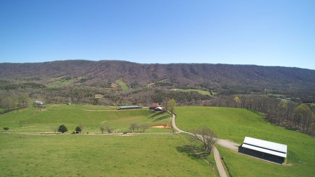 980 Campground Rd, Thorn Hill, 37881, TN - photo 0