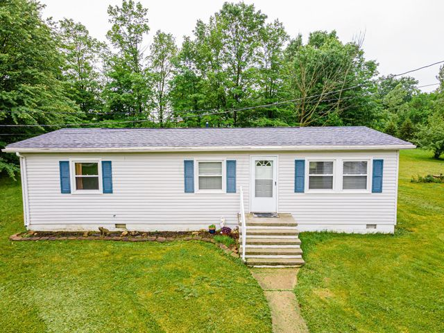 Listing photo 1 for 1122 Township Road 208