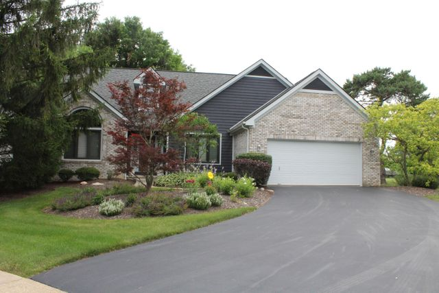 Listing photo 1 for 1189 Hickory Grove Ct