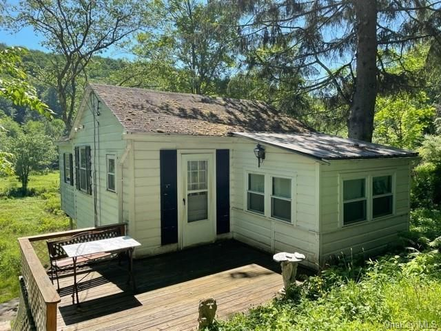 Listing photo 1 for 35 Brookside Dr