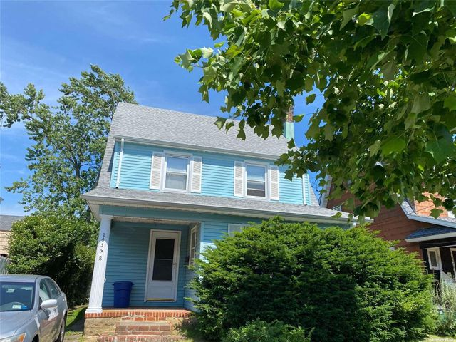Listing photo 1 for 2639 Windsor Ave