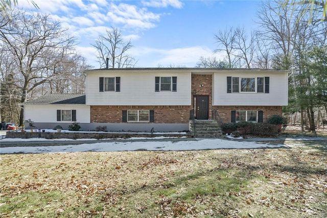 7 Ice House Rd, Woodbury, 10930, NY - photo 0