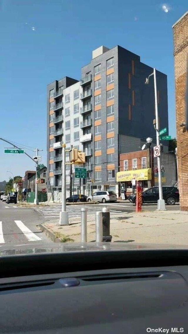 70-09 45th Ave Unit 4B, New York, 11377, NY - photo 0