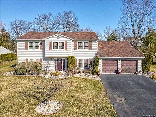 33 Yale Dr, Clarkstown, 10956, NY - photo 0