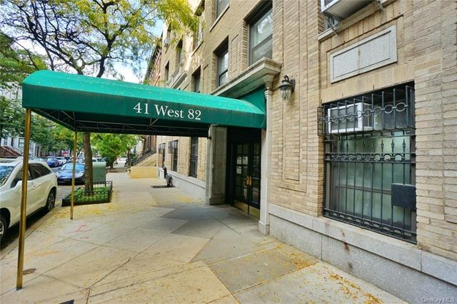 Listing photo 1 for 41 W 82nd St Unit 1E
