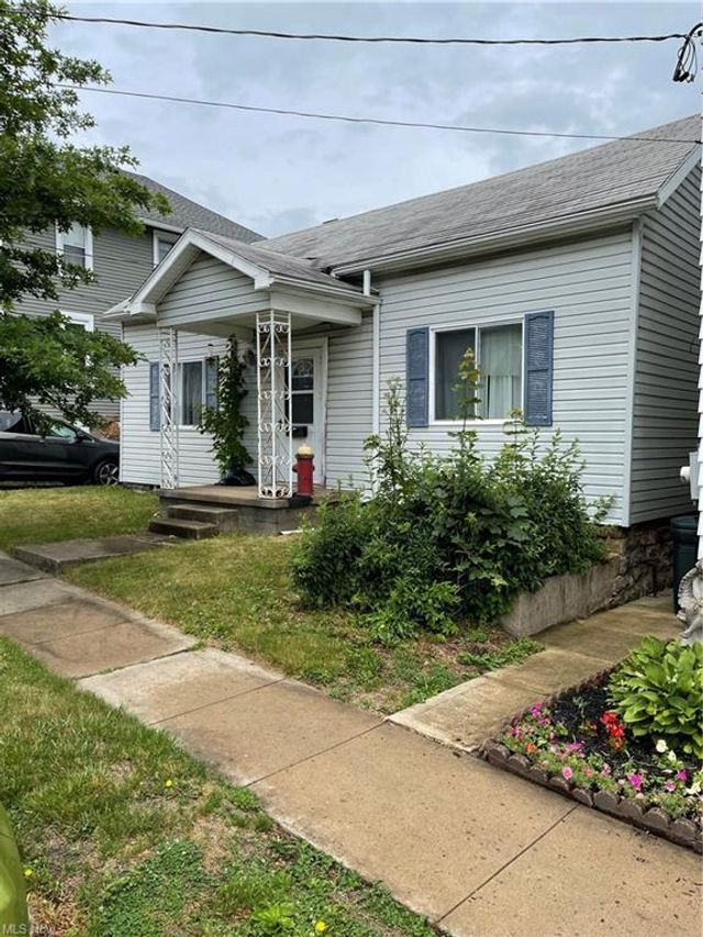 Listing photo 1 for 127 Cherry St