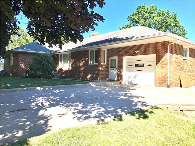 Listing photo 1 for 213 S Alling Rd
