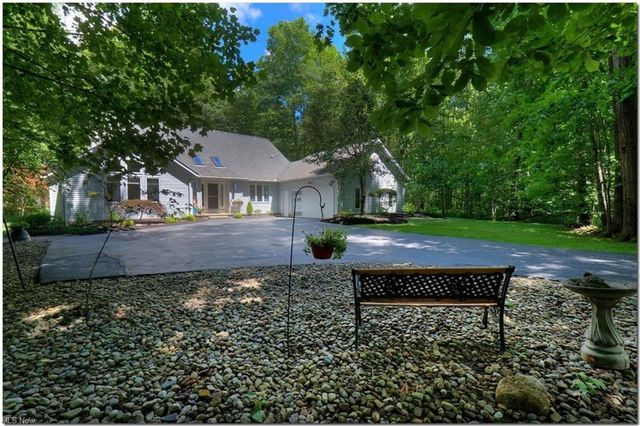 Listing photo 1 for 11104 Wingate Dr