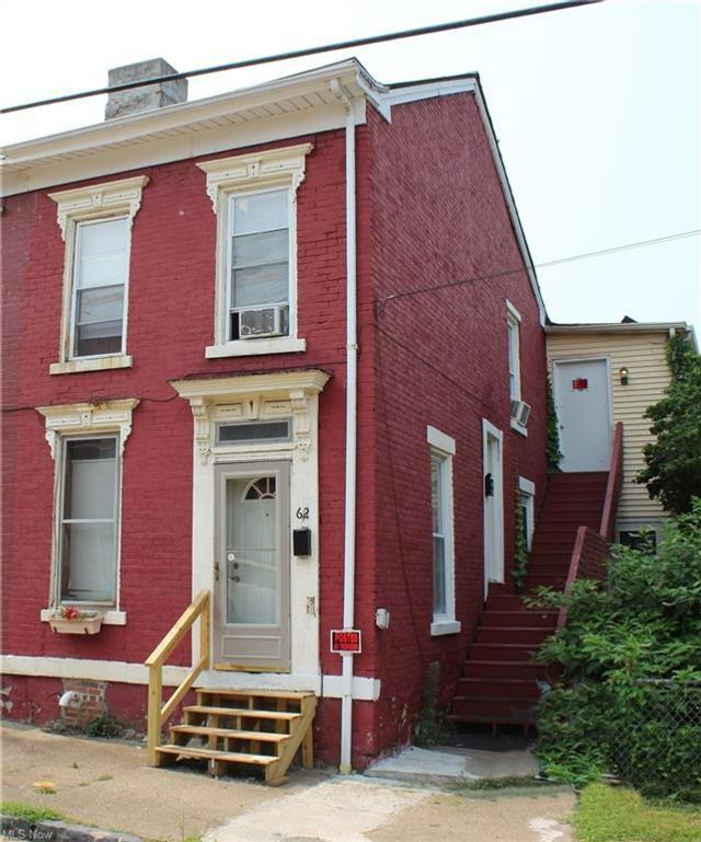 Listing photo 1 for 62 24th St