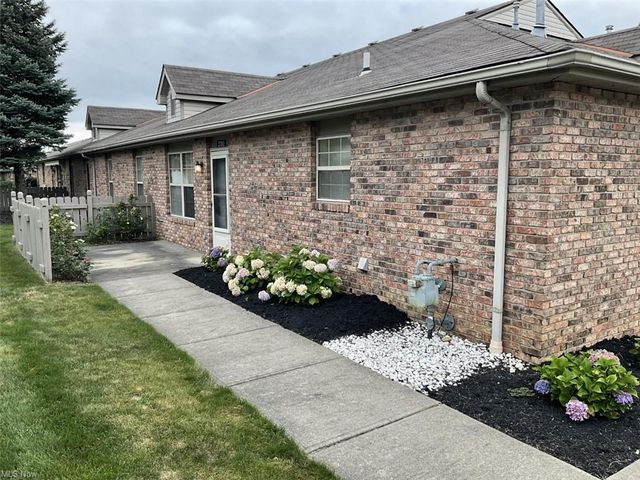 Listing photo 1 for 2781 Shakespeare Ln