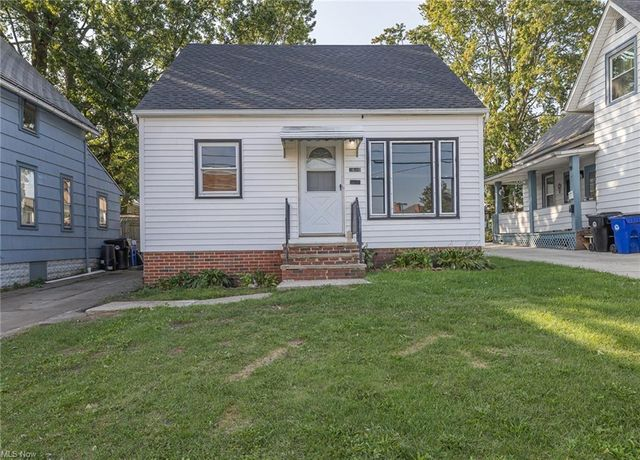 Listing photo 1 for 3609 Dawning Ave