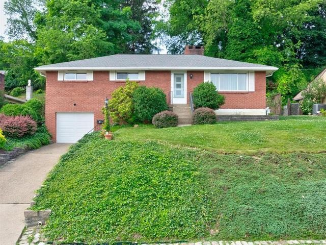 Listing photo 1 for 21 Terrace Dr
