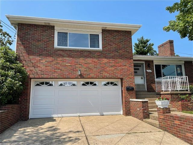 Listing photo 1 for 735 Southcrest Dr