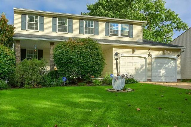 Listing photo 1 for 2981 Amy Dr