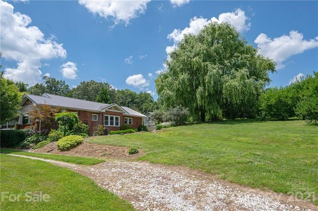 Listing photo 1 for 950 Staton Rd