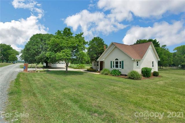 Listing photo 1 for 8220 Berry Mullis Rd