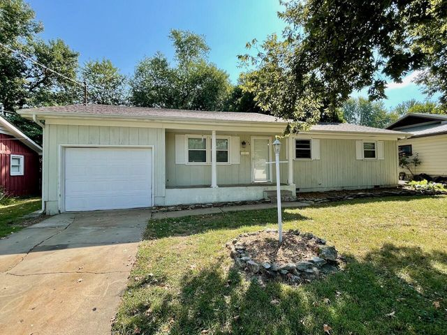 Listing photo 1 for 1234 S Estate Ave