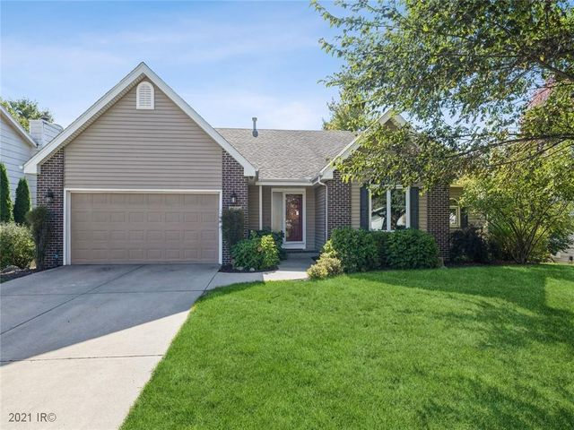 Listing photo 1 for 5504 Cody Dr