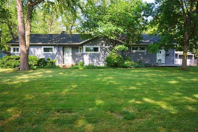Listing photo 1 for 1516 64th St
