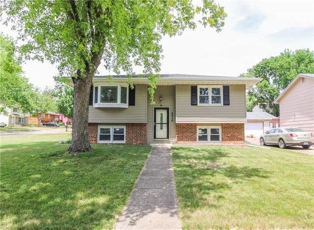 Listing photo 1 for 4010 Leyden Ave