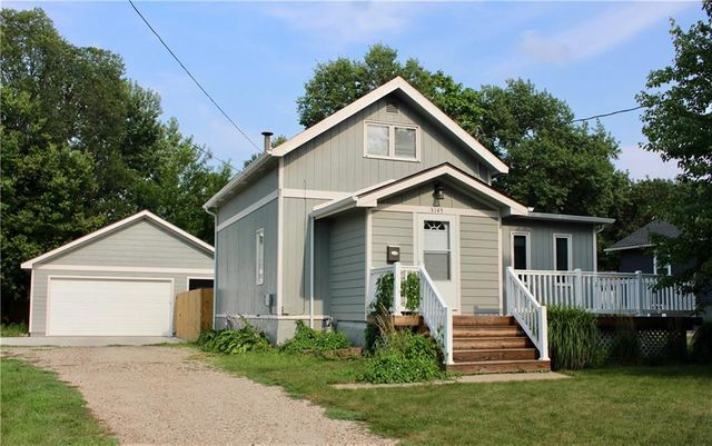 Listing photo 1 for 3145 49th St