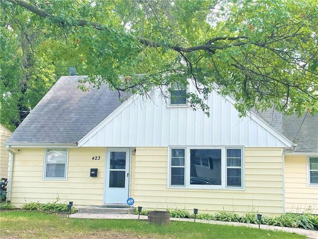 Listing photo 1 for 423 E Holcomb Ave
