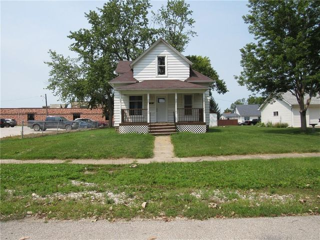 Listing photo 1 for 206 S Maple Ave