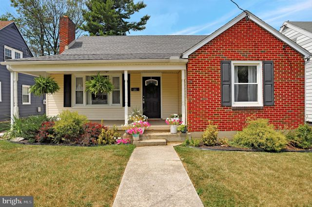 Listing photo 1 for 351 Devonshire Rd