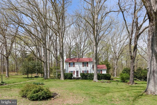 Listing photo 1 for 8728 N Wales Rd