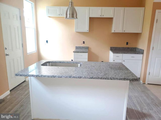 Listing photo 1 for 2632 Park Heights Ter