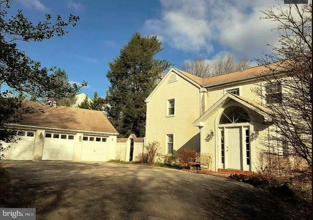 Listing photo 1 for 1046 Hares Hill Rd