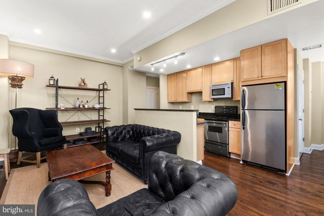 Listing photo 1 for 1701 16th St NW Unit 109