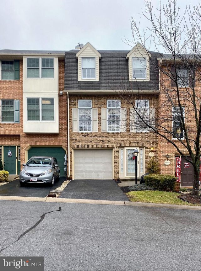 1277 Lindsay Ln, Hagerstown, 21742, MD - photo 0