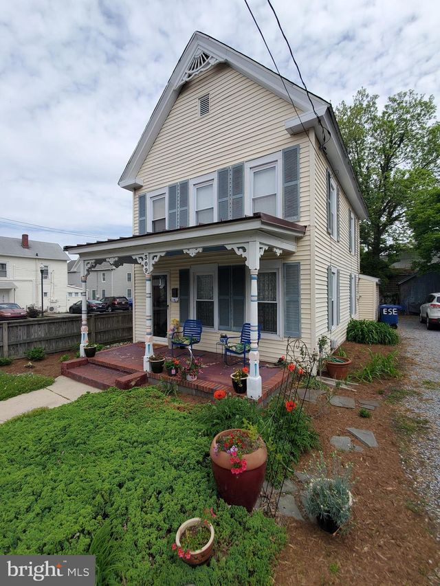 Listing photo 1 for 309 Franklin St