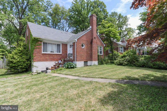 Listing photo 1 for 5709 Woodcrest Ave