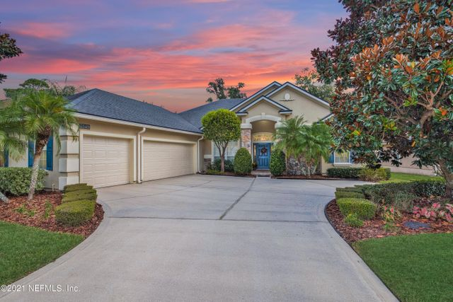 Listing photo 1 for 3549 Waterchase Way E