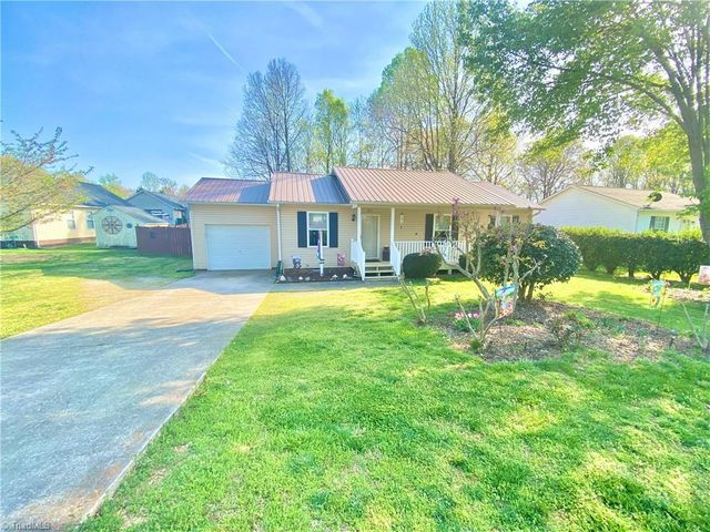 511 Westover Dr, High Point, 27265, NC - photo 0