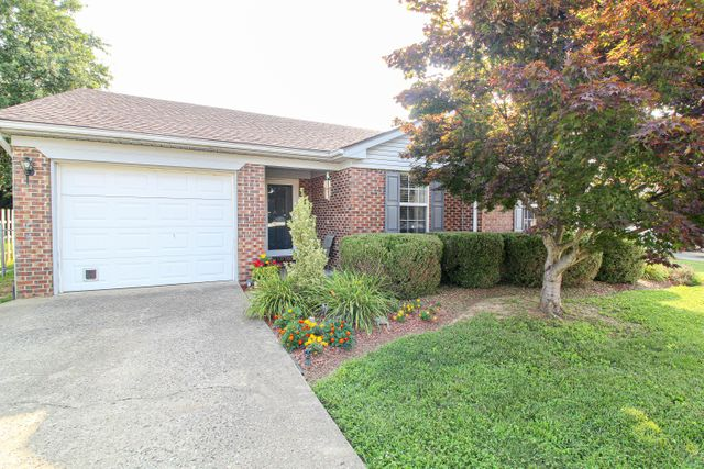 Listing photo 1 for 156 Charmac Rd