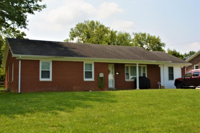 Listing photo 1 for 207 Suzanne Dr