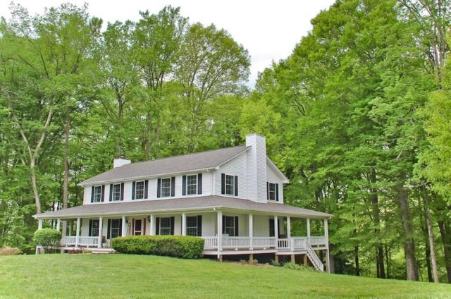 Listing photo 1 for 468 Acree Dr