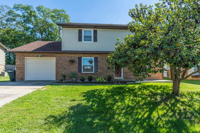 Listing photo 1 for 848 Stratton Ln