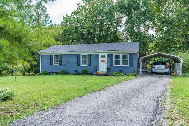 Listing photo 1 for 255 Whispering Woods Dr