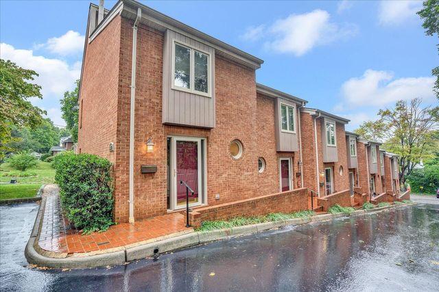 Property photo 1 featured at 2429 Avenham Ave SW Unit G, Roanoke, VA 24014