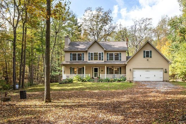 Listing photo 1 for 324 Deep Springs Dr
