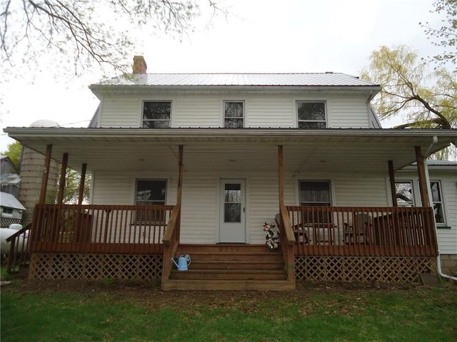 Listing photo 1 for 8555 Reeds Corners Rd